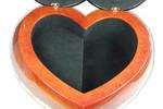 Herzförmige Schatulle mit Spieluhr