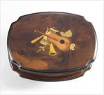Musik-Schatulle mit Motiv-Intarsie und Spieluhr